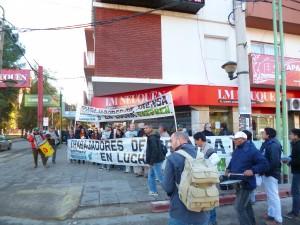 Movilización de los trabajadores de prensa frente a LMNeuquén