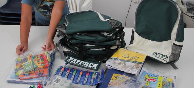 Se entregan útiles escolares para los afiliados neuquinos